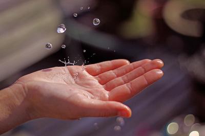 まずは正しい洗顔から カサカサお肌から脱出するための「乾燥肌」対策