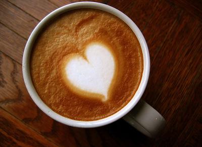 絵が描けなくてもOK 自分でできる「コーヒーアート」でカフェ気分