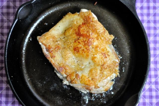 自宅でもバーベキューでも使える「スキレット」レシピ アヒージョ、オムレツ、パエリアなど