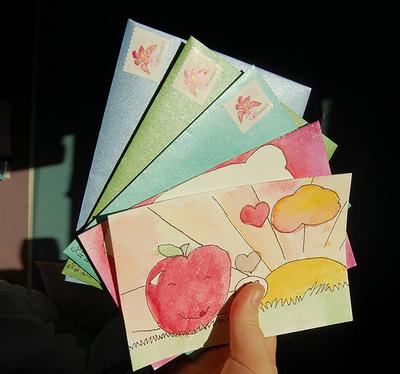 手紙、ハガキ、DMに明細書 たまった「郵便物」を整理するコツ