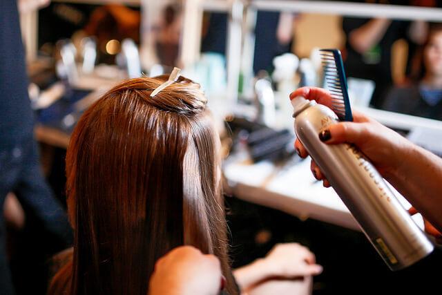 希望の髪型が伝わらない! 何を話せばいい? 美容院での悩みを解消するテクニック