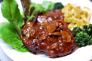 「麩」と「寒天」がおいしさの秘密? 家庭で作れるハンバーグレシピ