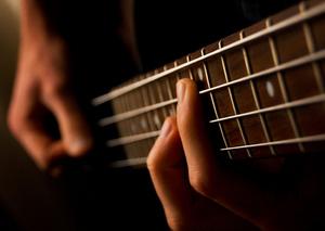 """ピアノにエレキギター、ベース、ドラム——初心者に送る""""楽器のはじめ方"""""""