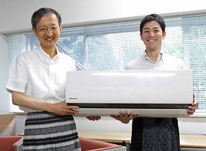 [PR]ひとりひとりが快適な節電を! 「エコナビ」エアコン担当者、スカート教授に会いに行く